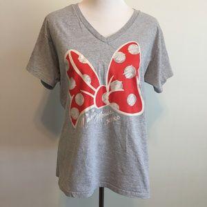 Disney Store Minnie Mouse Bow V Neck Tshirt XL